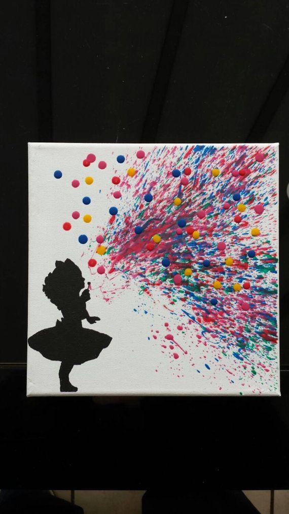 Crayón derretido arte chica soplando por TreatYourselfCrafty