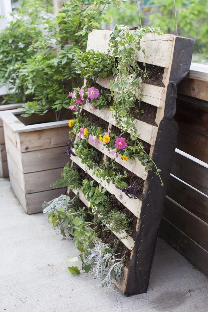 1001 Idees Pour Amenager Un Jardin Ou Potager Vertical Jardin En Hauteur Potager Vertical Amenagement Jardin