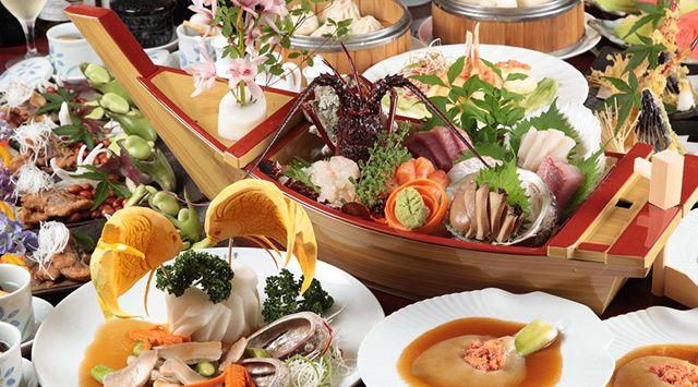 結納や両家の顔合わせ食事会におすすめの和中創作料理 魚宴 GYOEN 横浜西口店のページです。横浜駅徒歩3分。高級和食×高級中華で顔合わせ職人の技が光るお料理と美味しいお酒で晴れの日ひと時を|和食/中華料理/フリードリンク