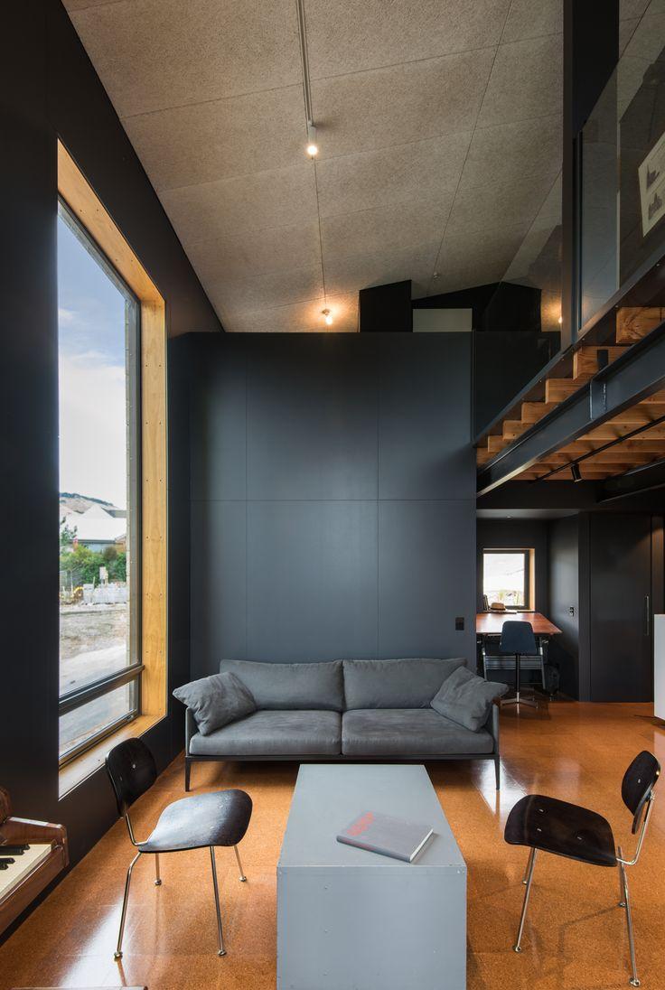 h01 House
