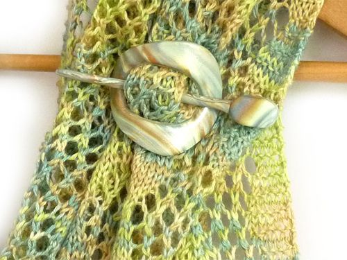 FO and Tutorial: Polymer Clay Shawl Pin