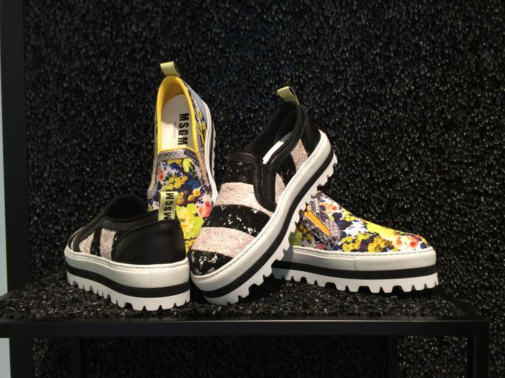 MSGM #slipon #flowers #stripes #blackandwhite #FolliFollie #SpringSummer #collection