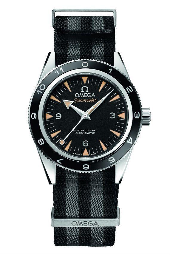 Presente na franquia 007 desde 1995 quando foi lançado o longa Goldeneye, o Omega Seamaster com sua história naval e estilo clássico reflete perfeitamente James Bond. Agora com o OMEGA Seamaster 30…