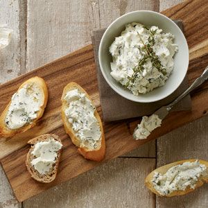 Goat Cheese Spread with Roasted Garlic and Thyme