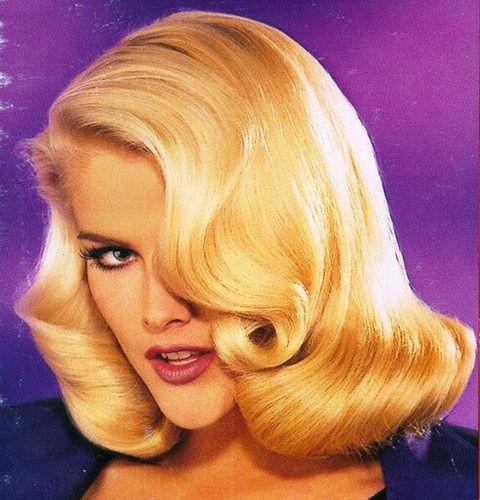 Mmmm, what a beautiful Blonde17