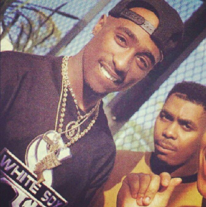 Tupac . Love this pic 😍