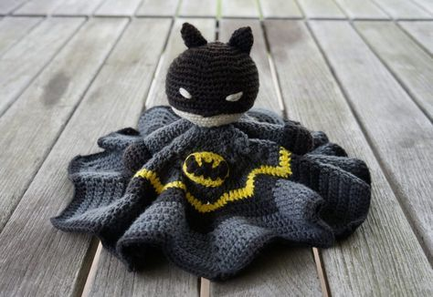 Batman-lovey free crochet pattern