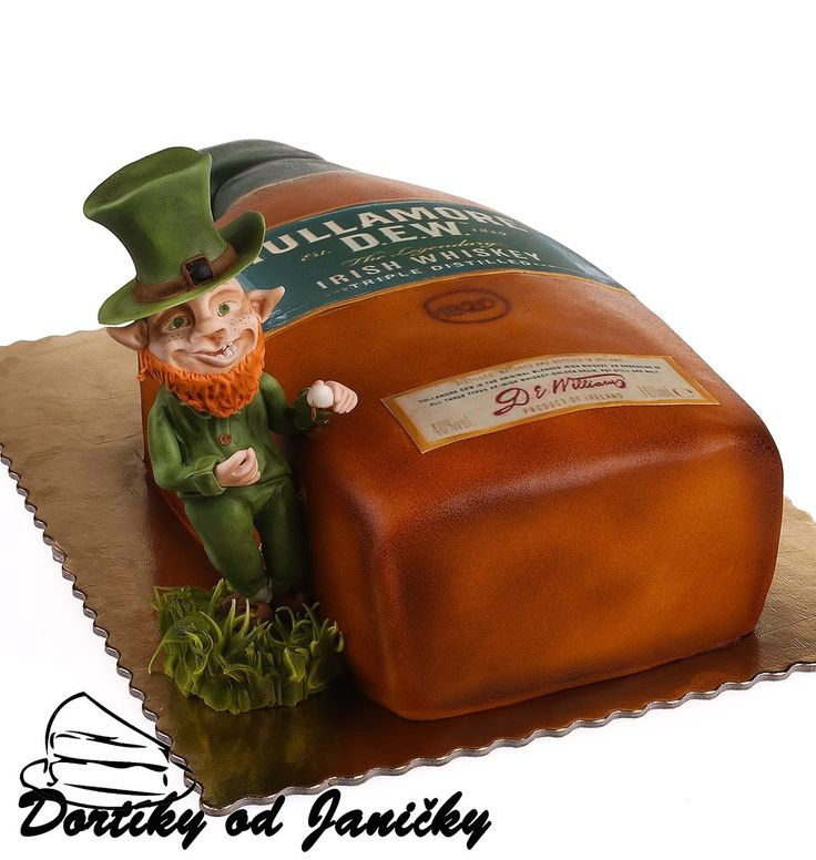 Tullamore dew and Lepricon cake
