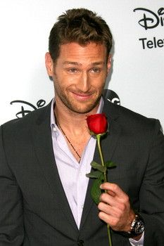 NEW - Bachelor spoilers 2014: Week 5 and Week 6 dates, rose ceremony eliminations (Feb. 3 & Feb. 10)