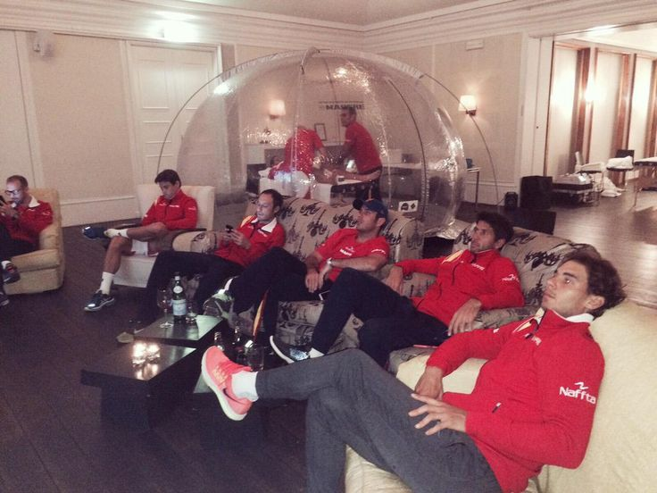 """Rafa Nadal en Twitter: """"Here with the #DavisCup team supporting Spain #SomosEquipo @baloncestofeb http://t.co/SXjuDheRiX"""""""