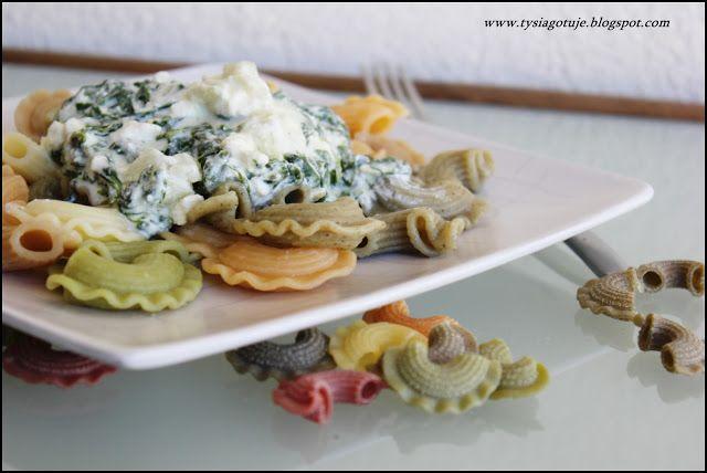 ♥ Witaj w moim kulinarnym świecie ♥: Makaron z sosem szpinakowym