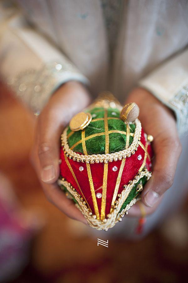 hindu gujarati wedding at the langley in watford indian wedding photography