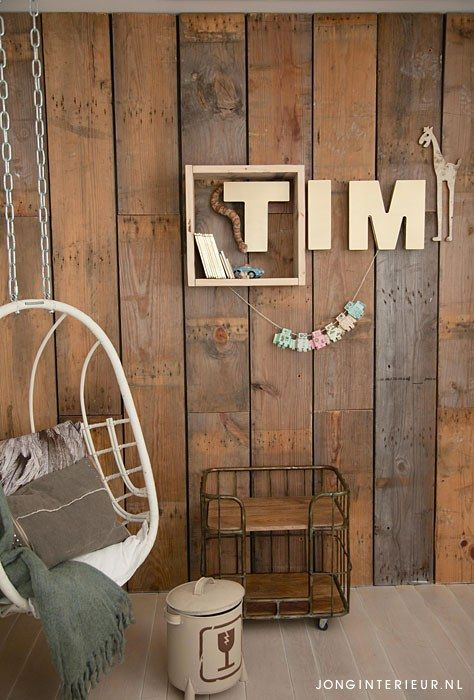 Jongenskamer Robot Boysroom hangstoel, letters, vintage. Ontwerp en styling jonginterieur.nl