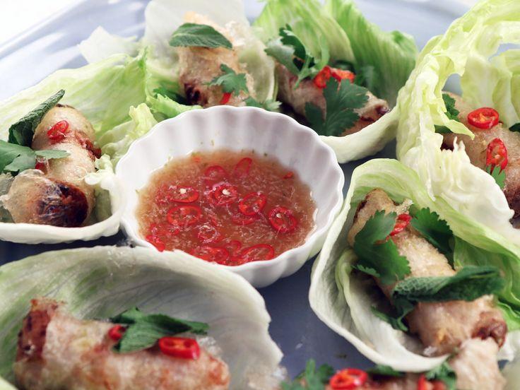 Friterade vårrullar med fläskfärs och räkor | Recept från Köket.se