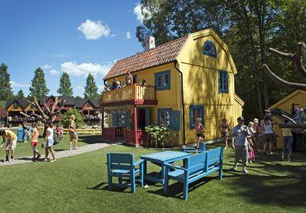 Gör ett besök hos dina barndomshjältar i deras egen miljö i Astrid Lindgrens Värld.