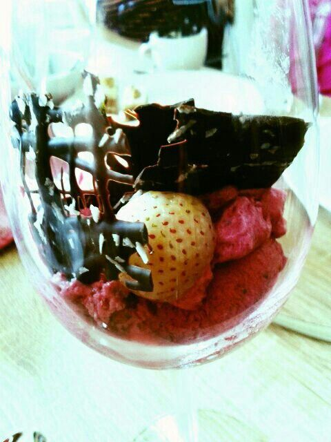 Berry ice cream for our high tea!