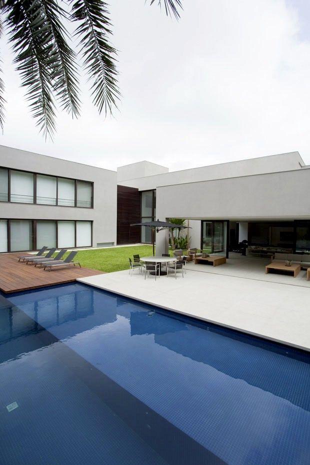 Grandeza ou grandiosidade? Roberto Migotto assina lar de 2 mil m² em São Paulo