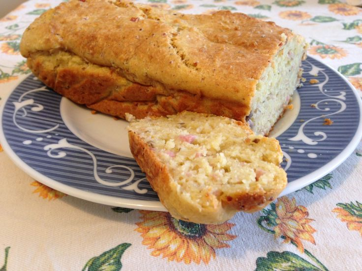 Plumcake salato con prosciutto e funghi (ricetta piatto unico)