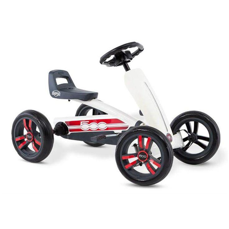BERG Buzzy Fiat 500 är den perfekta trampbilen för nybörjare och alla barn som gillar leka och motionera och upptäcka världen på egen hand. Trampbilen är lämpad för barn från 2 till 5 år. Trampbilen är lätt och enkel att trampa. Säte och ratt är justerbara så barnet kan växa med trampbilen.  Fakta Tysta EVA-däck som aldrig får punktering. Superlätt att trampa tack vare kullager och unik ergonomi. Kan köras framåt och bakåt. Växer med barnet eftersom ratten och sätet kan justeras. Ålder…