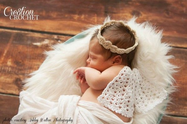 Angel Wings and Halo - free #crochet pattern on Cre8tion Crochet! Love this photo prop idea - perfect for newborn photos!