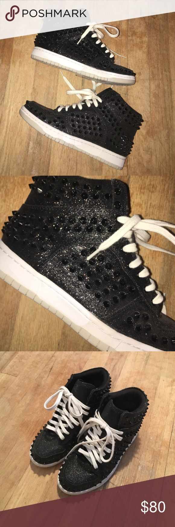 Steve Madden studded sneakers black glitter Steve Madden studded sneakers black glitter NEVER WORN! Brand new glitter and sparkles, pictures do not do justice how gorgeous these are! Steve Madden Shoes Sneakers