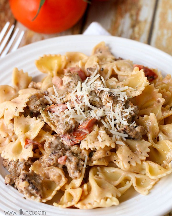 Italian Sausage with Bowtie Pasta - easy and delicious! { lilluna.com }  (Scroll down on site for more recipes!)