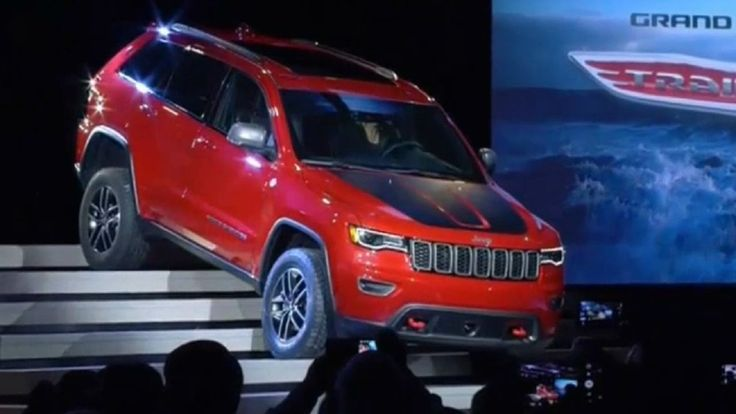 2017 Jeep Grand Cherokee Trailhawk & Summit at 2016 New York Auto Show