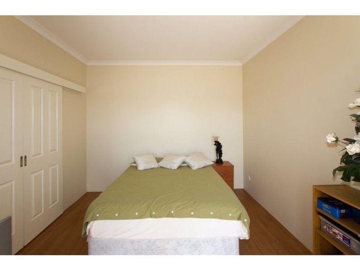 34 Coastside Crescent, Glenfield WA 6532 - Office/Bedroom 5 - sliding door access