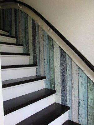 """mijn trap, met """"hout"""" behang"""