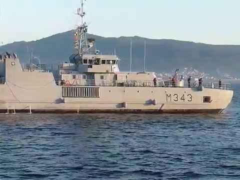 Buque de la real armada Noruega KNM «Hinnøy» entrando en el puerto de Vigo País Bandera de Noruega, state.svg Noruega atractivo buque de contramedidas de minas Número M 343 Clase :Clase Oksøy astillero Kvaerne