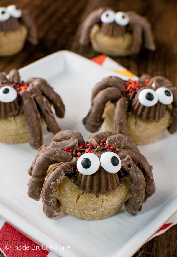peanut butter cup spider cookies - Great Halloween Appetizers