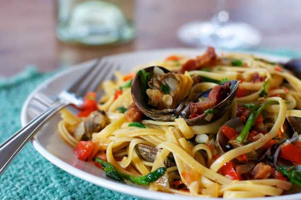 Seattle Magazine | Restaurants | Recipe: Linguine with Clams, Pimentón and Smoked Pig Jowl