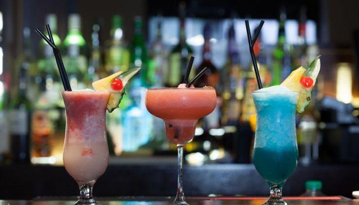 4 przepisy na owocowe drinki z wódką