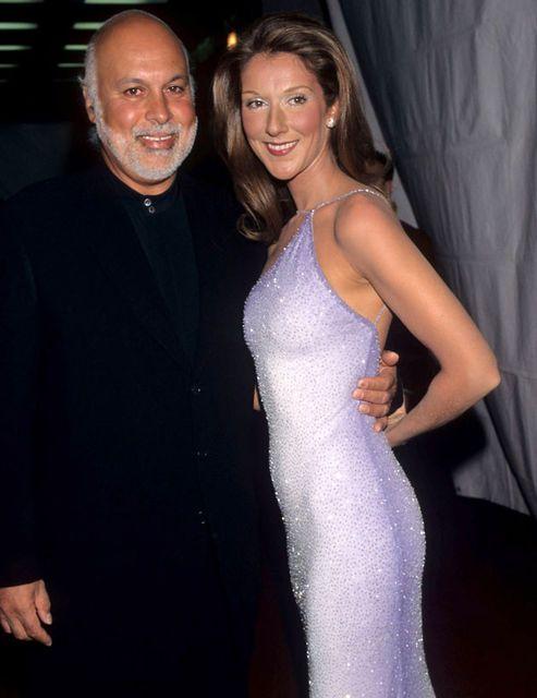 En 1998, elle est l'une des stars de la 40e cérémonie des Grammy Awards.