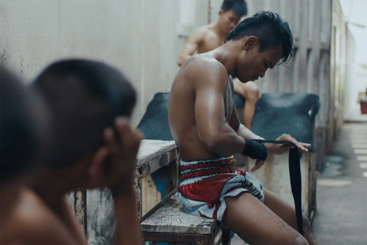 Step Into the Psyche of a Muay Thai Boxer