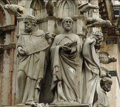 Le Platon de Giovanni Pisano, cathédrale Notre-Dame-de-l'Assomption, XIIIe siècle, Sienne en Toscane