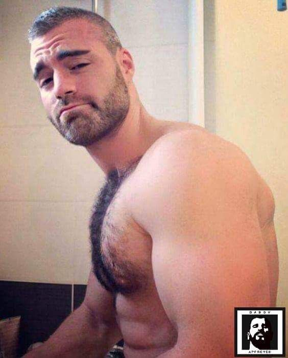 Fukin hot hairy chest….