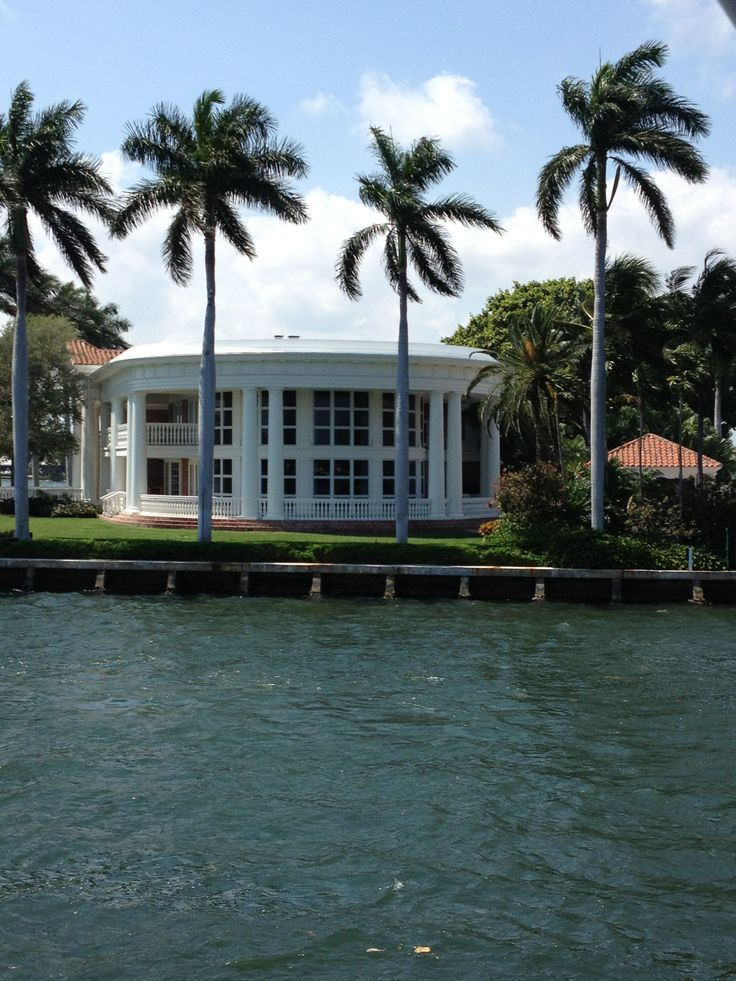 Passing through the back yard of a Fort Lauderdale Waterfront Estate
