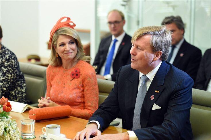 """CANBERRA (ANP) - ,,Nederland hecht grote waarde aan de uitstekende samenwerking met Australië in het onderzoek naar de precieze toedracht van het neerhalen van MH17. Dit, zodat de daders ter verantwoording kunnen worden geroepen en er recht gedaan kan worden."""" Dat benadrukte koning Willem-Alexander woensdagmiddag (lokale tijd) tijdens zijn toespraak in Australië. (Lees verder…)"""