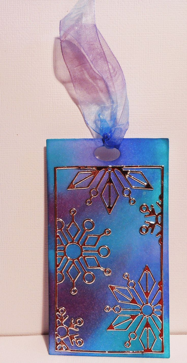 Colour and Sparkle: Christmas Tag with Lots of Sparkle