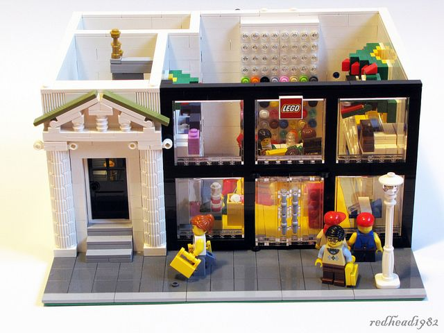 Modular LEGO store and appartment by 1982redhead, via Flickr