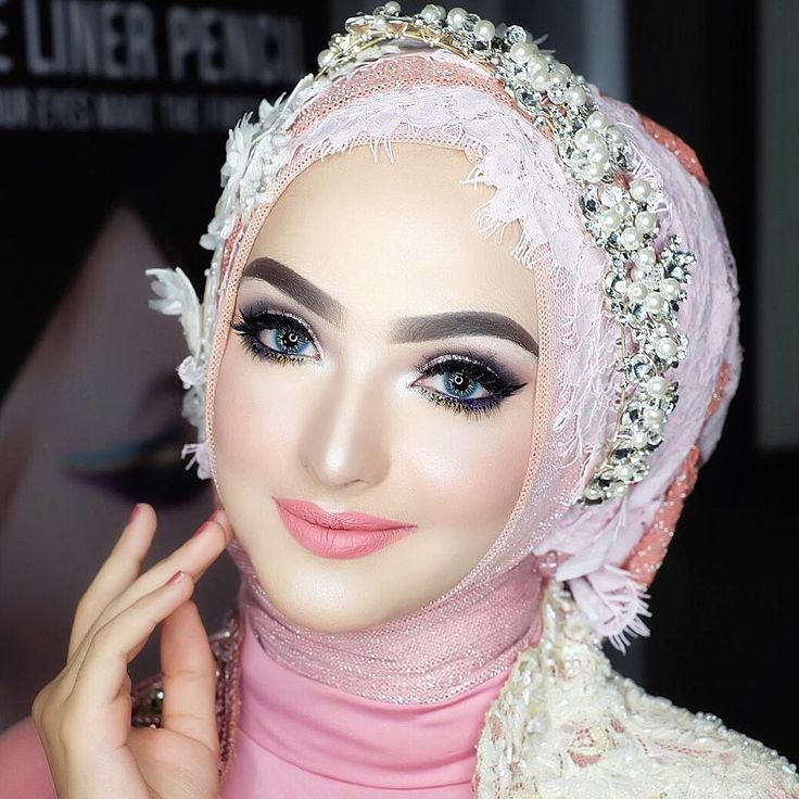 "1,280 Likes, 20 Comments - VIZZILY (@vizzily) on Instagram: ""Makeup by ME @vizzily on my #VizzilyRoadshow in #SURABAYA with @luxeventplanner - model : Nisma .…"""
