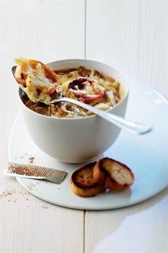 Gratinée à l'oignon ~ http://cuisine.larousse.fr/recettes/detail/gratinee-a-l-oignon