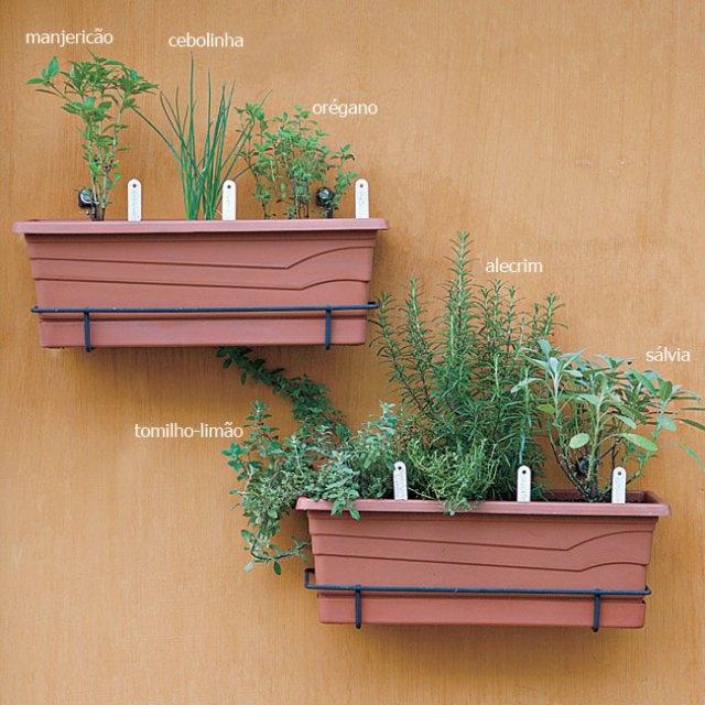 horta em casa: Ems Apartamentos, Gardens Ideas, Ideas For, Minis Horta, Ems Casa, Horta Ems, Idea For, Vertical Garden, House