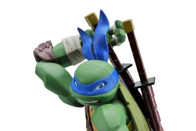 New Teenage Mutant Ninja Turtle Figures Revealed - Leonardo - These look so premium. I want one.
