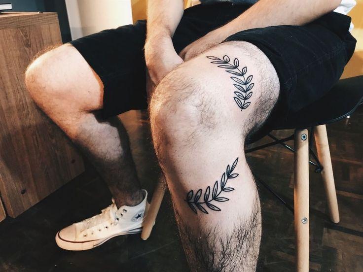 "DESGOSTO on Instagram: ""Raminhos no joelho :)"""