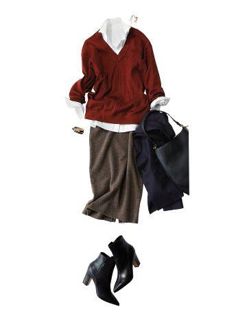 赤のVネックセーター×カーキのニットスカート