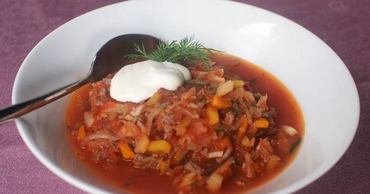 """Hapankaalimuhennos - """"Astetta ruokaisampi muunnelma venäläisestä hapankaalikeitosta."""" (keittotaiteilua)"""