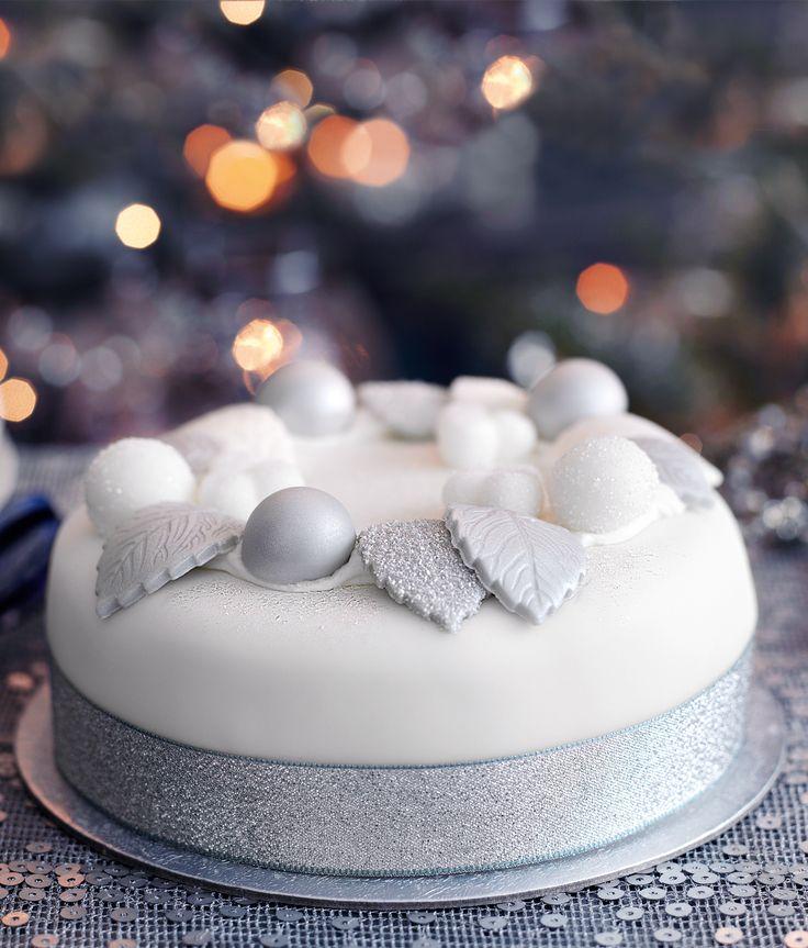 Alternative Decoration For Christmas Cake : 98 best WINTER CAKES images on Pinterest Christmas cakes ...