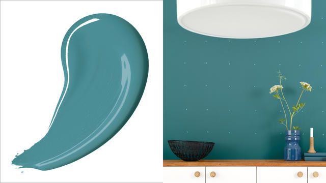 Blauwgroen is dé keuze voor trendgevoelige interieurontwerpers, maar het is ook nog eens een hele veelzijdige kleur. Blauwgroen werkt net zo goed als achtergrond in de modernste interieurs als in meer traditionele huizen.